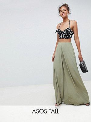 ASOS DESIGN Tall crinkle maxi skirt with box pleat - Khaki