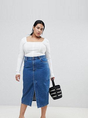ASOS Curve ASOS DESIGN Curve denim midi skirt with split front in midwash blue - Midwash blue