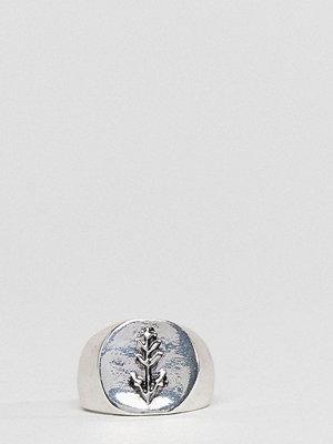 DesignB London Silver Engraved Signet Ring
