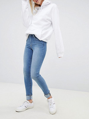Levi's 721 High Rise Skinny Jean in Lightwash - Dust in the wind
