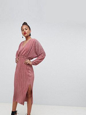 Asos Tall ASOS DESIGN Tall batwing midi plisse dress - Dusky rose