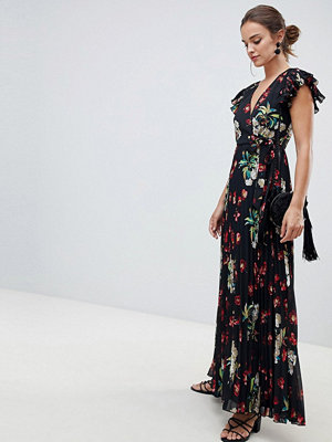 ASOS DESIGN pleated maxi dress with flutter sleeve in Vintage Floral print