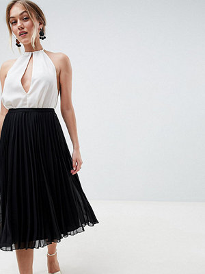 ASOS Petite ASOS DESIGN Petite pleated midi skirt