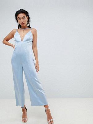 ASOS DESIGN occasion cami jumpsuit with chain detail - Cornflower blue