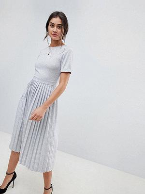 ASOS DESIGN pleated skirt midi dress - Grey marl