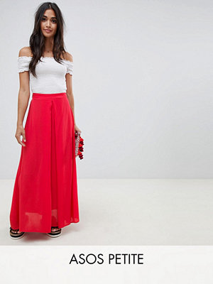 ASOS DESIGN Petite crinkle maxi skirt with box pleat