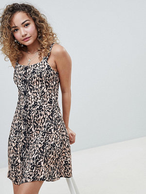 Miss Selfridge shift dress with button front in leopard print - Multi