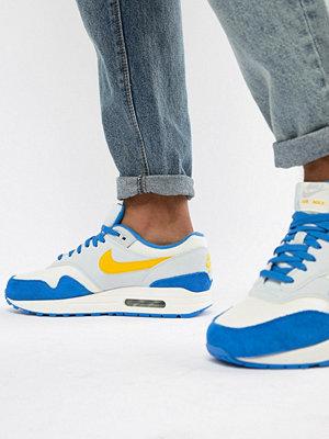 Sneakers & streetskor - Nike Air Max 1 Trainers In Blue AH8145-108
