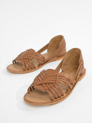 ASOS DESIGN Wide Fit Focal leather flat sandals