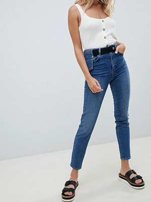 ASOS DESIGN high waist slim mom with waist utility detail in mid blue wash - Mid wash blue