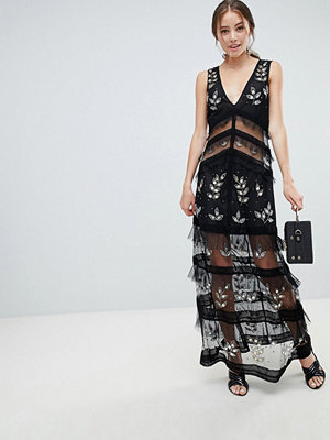 Miss Selfridge tiered maxi dress with lace detail