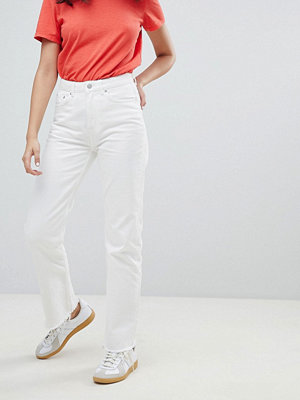 Weekday voyage crop mom jean in loved white - Loved white
