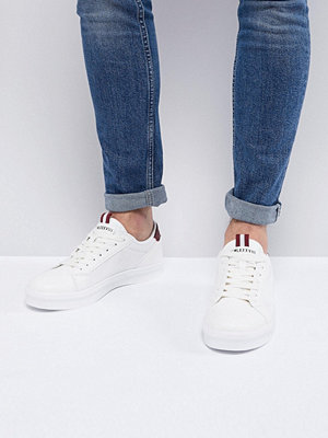 Sneakers & streetskor - River Island Trainers With Mesh Side Detail