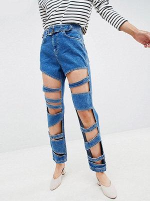 ASOS DESIGN Farleigh Mellanblå mom jeans med smal passform