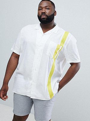 ASOS DESIGN Plus regular fit viscose shirt with yellow tape