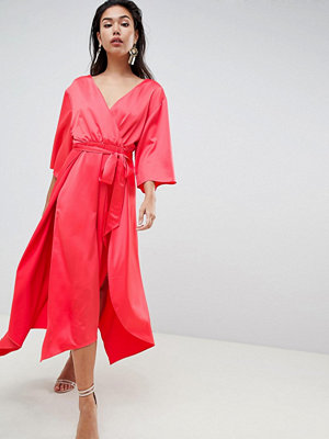 ASOS DESIGN jumpsuit with wrap front and hanky hem in satin - Rose red