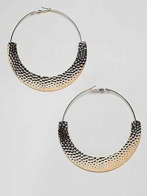 ASOS örhängen DESIGN hoop earrings with hammered detail