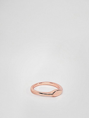ASOS DESIGN pinky ring with flat front detail in rose gold - Rose gold