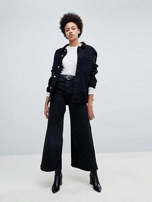 Weekday Ace Svarta vida jeans i ekologisk bomull Tvättat svart