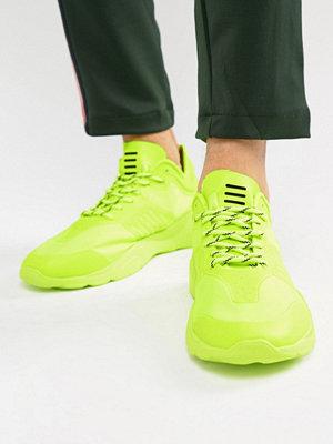 Sneakers & streetskor - Bershka Trainers In Neon Yellow - Neon yellow