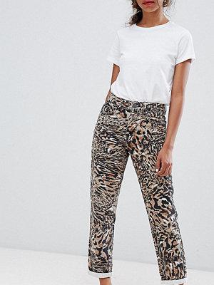 ASOS Petite Ritson Mamma jeans i leopardmönster Leopardtryck