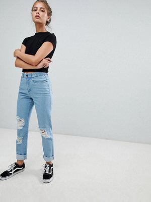 Noisy May Slitna jeans i mom-modell Mellanblå färg