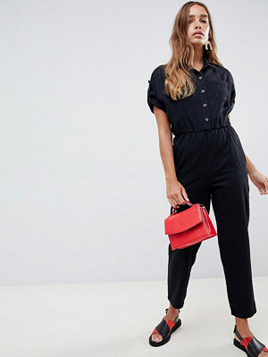 ASOS DESIGN Arbetarkostym med upprullade ärmar i svart jeans