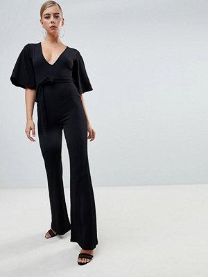 Missguided Svart jumpsuit med djup urringning och kimonoärmar