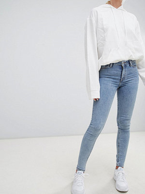 Jeans - Weekday Body Floridablå superstretchiga jeans med extra smal passform Florida blue