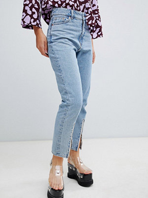 Monki Kimomo Ljusa jeans med dragkedja nedtill