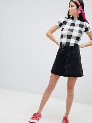 Monki Minikjol i denim Tvättad svart