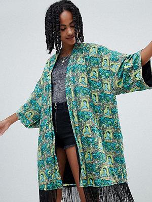 Reclaimed Vintage Inspired Kimonojacka med Frida Kahlo-tryck