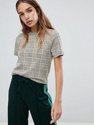 New Look Rutig T-shirt med kantig passform Mörkgul