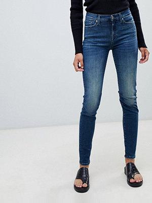 Selected Sophie Jeans med smal passform Mellanblå denim