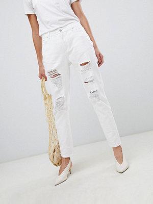 """Vila Jeans i """"mom jeans""""-modell med revor"""