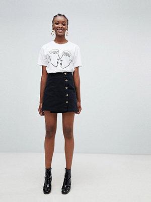 New Look Asymmetrisk kjol med knapp