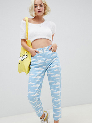 ASOS DESIGN The Simpsons x  Mamma jeans med moln mönster