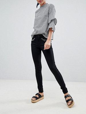 Only Skinny jeans med pärlutsmyckning