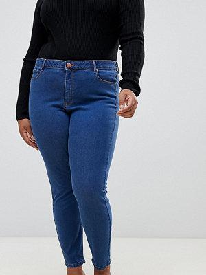 ASOS Curve Ridley Blåtvättade skinny jeans med hög midja Lizzie