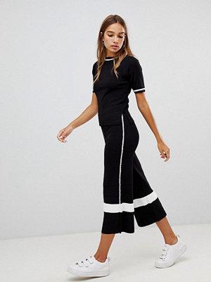 New Look Stickade culotte-byxor med rand i sidan