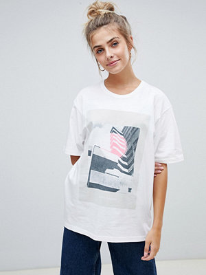T-shirts - Wåven Tumi t-shirt med tryck Heaven print