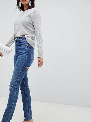 Asos Tall Farleigh Mörktvättade mom-jeans med hög midja och smal passform Mörkblå
