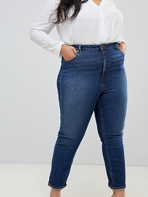 """ASOS Curve """" Farleigh Jeans i """"mom jeans""""-modell med smal passform"""