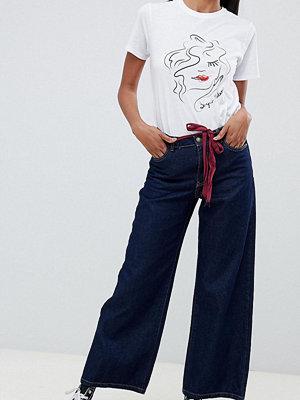 Only Tall Only Jeans med bälte och vida ben Mörkblå denim