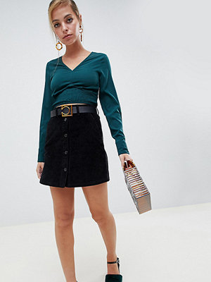 Vero Moda Petite Svart manchesterkjol med knäppning i minimodell