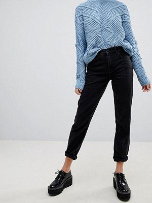 "Pimkie Svarta jeans i ""mom jeans""-modell"