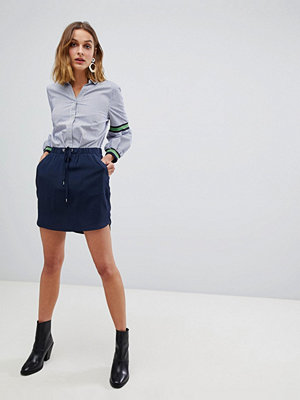 Vero Moda Kjol med dragsko Marinblå blazer
