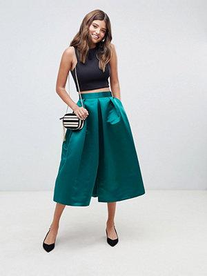 Closet London Smaragdgrön balkjol i midimodell i satin smaragdgrön