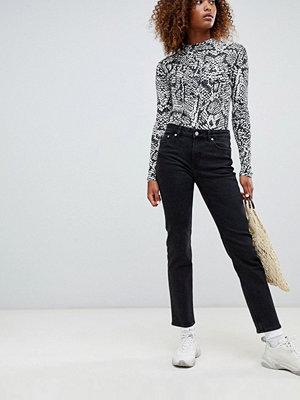 Weekday Jeans med medelhög midja och raka ben