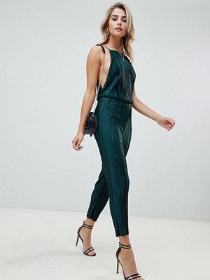 PrettyLittleThing Grön culotte-jumpsuit med öppen rygg
